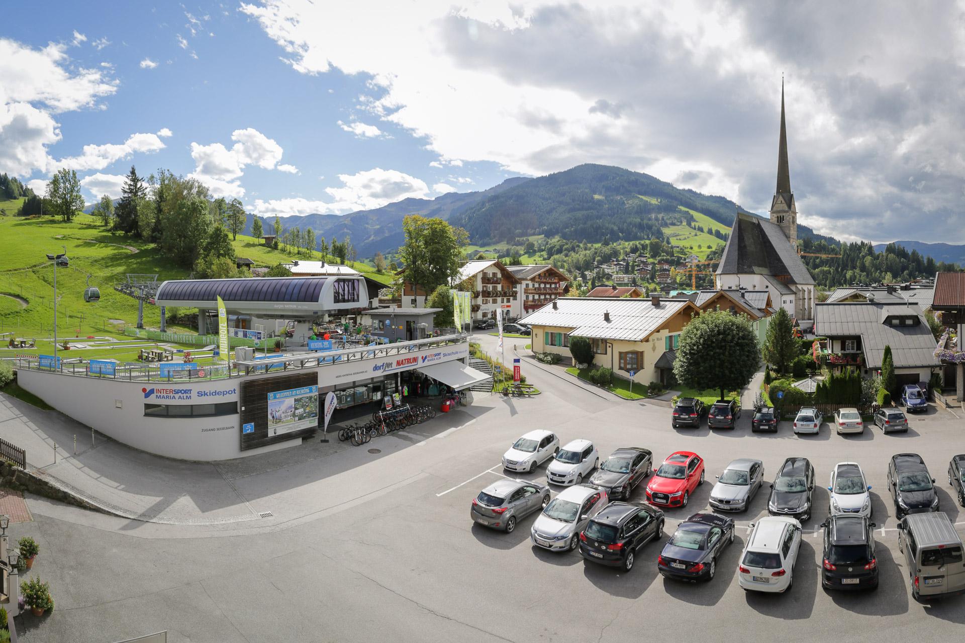 Parkplatz Intersport Dorfjet Maria Alm